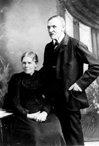 Ann and Thomas King, c1870 Source: Lona Grntham (Price, King)